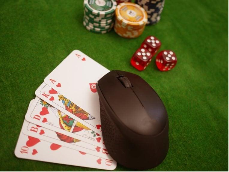 Como jogar Poker online