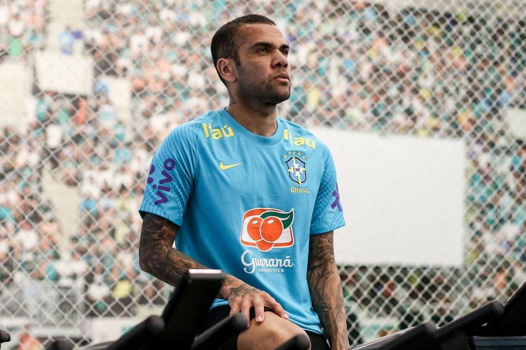 Daniel Alves busca o outro Olímpico